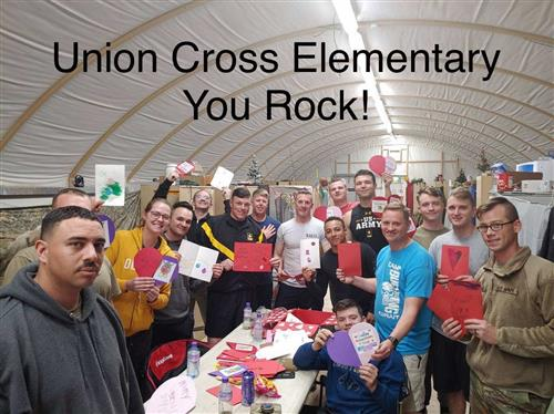 Union Cross Students Show Members of the National Guard They Care