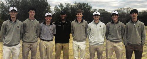 members of the 2018 boys RJR golf team